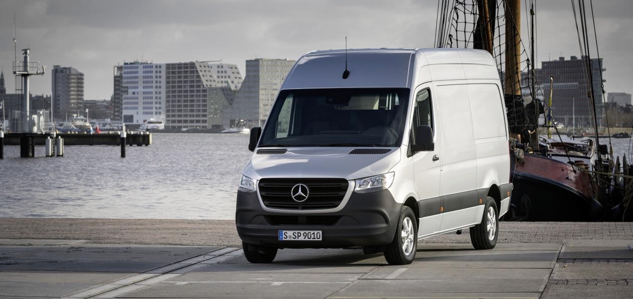 Mercedes-Benz Sprinter получил версию с пневмоподвеской