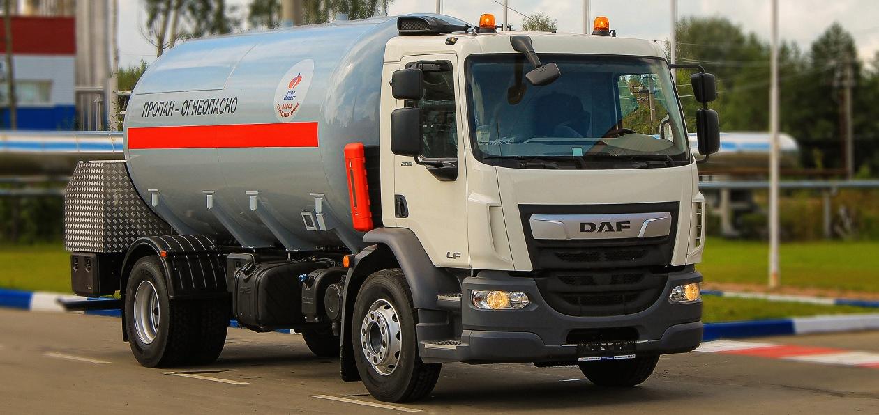 DAF передал российскому клиенту первый застроенный грузовик