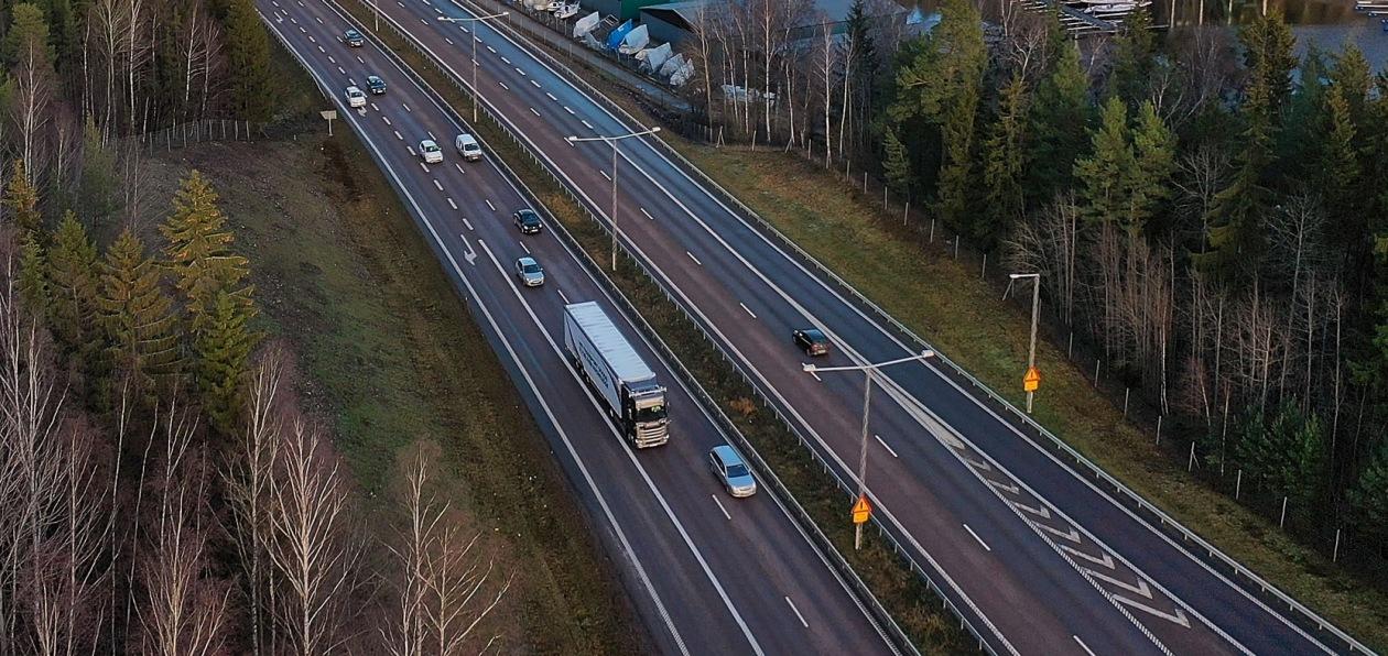 Scania начала тестировать беспилотные грузовики на автомагистралях
