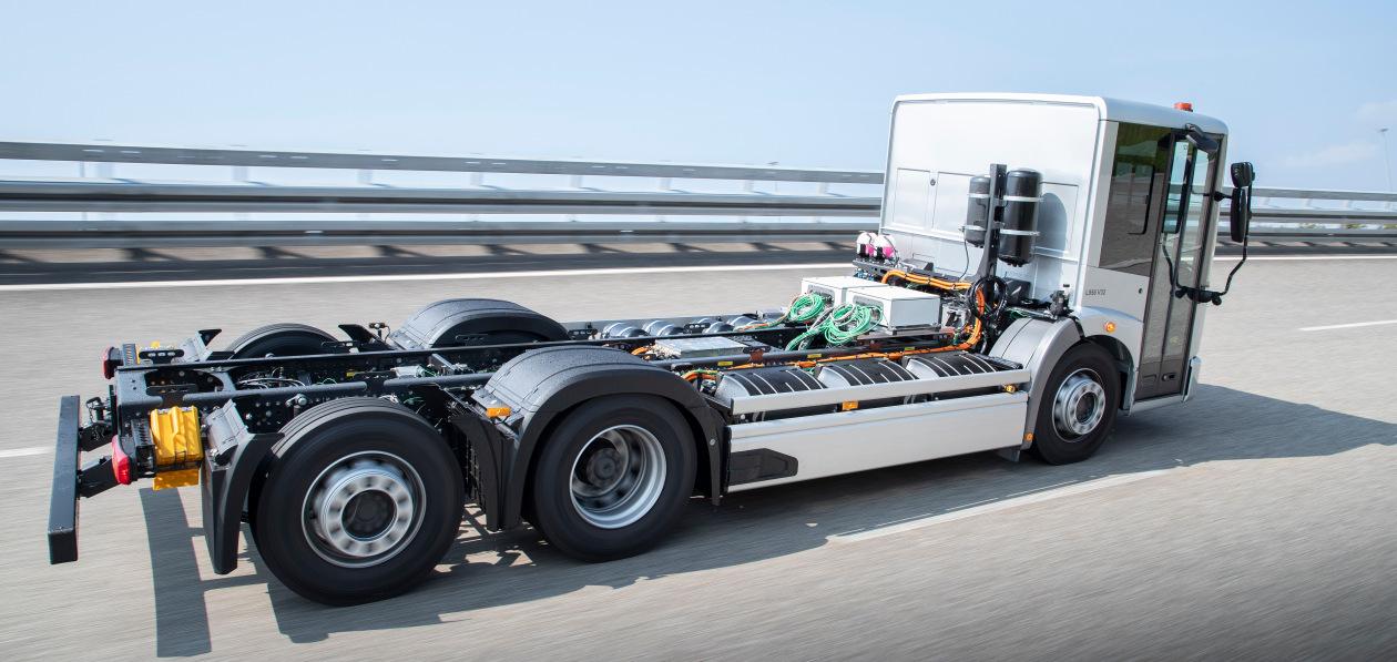 Mercedes-Benz начал испытания электромусоровоза eEconic
