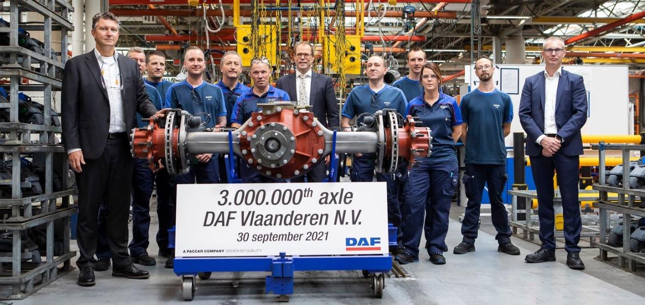 DAF приурочил выпуск трехмиллионного моста к 50-летнему юбилею завода в Бельгии