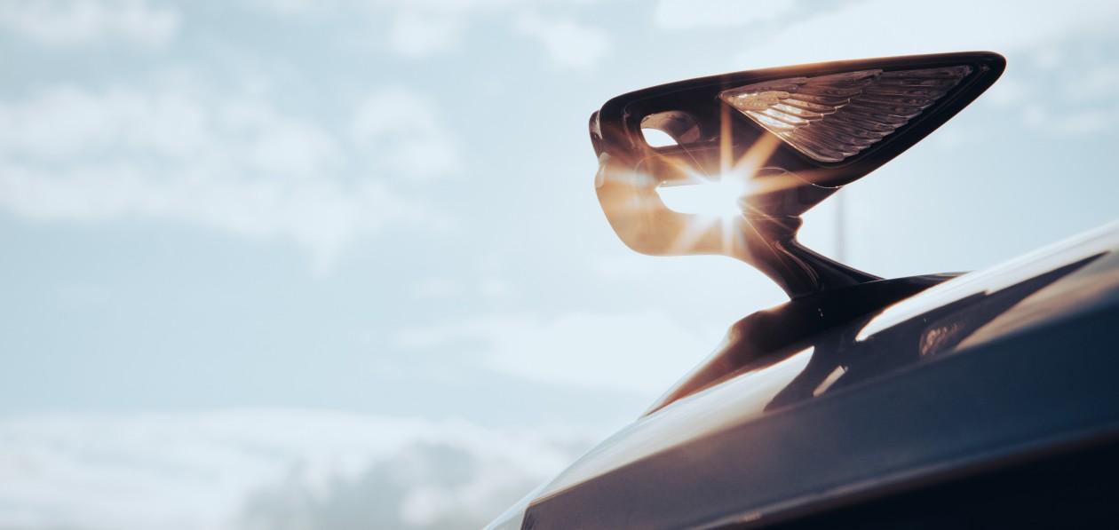 «Осенний тур» Bentley. Экспресс-тест новых Bentayga Speed и Flying Spur: быть и казаться