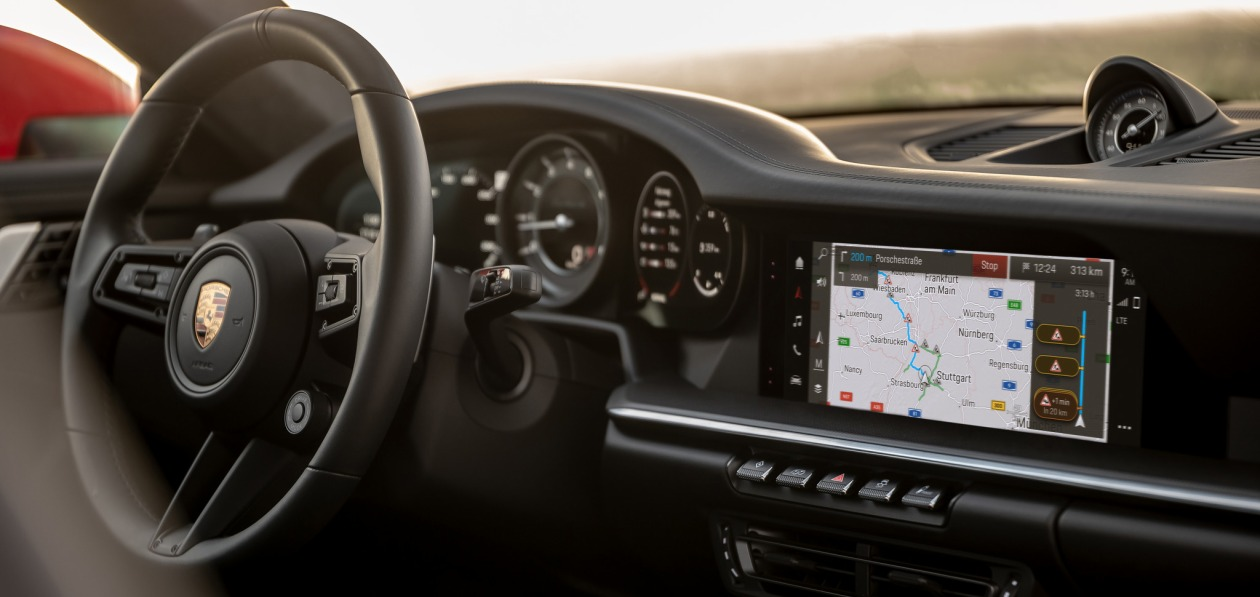 Три модели Porsche получат мультимедийную систему нового поколения