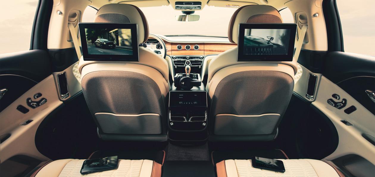 Bentley представила новую систему развлечения для задних пассажиров