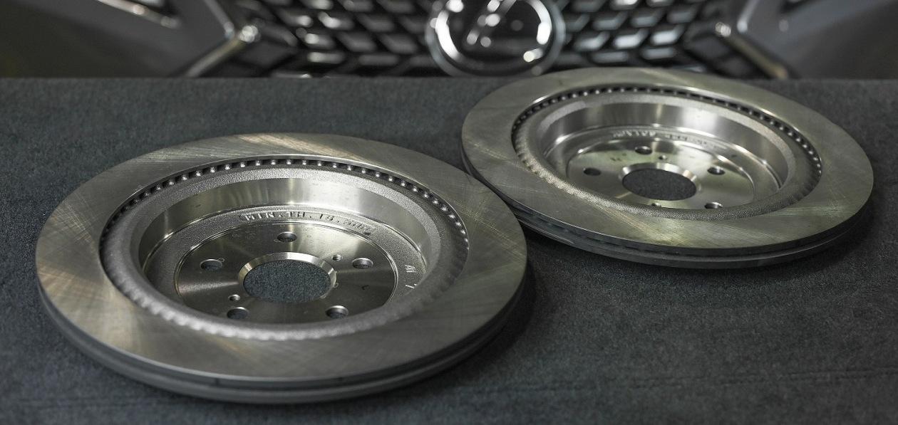 Lexus «скидывает» цены на оригинальные запчасти для владельцев постгарантийных авто