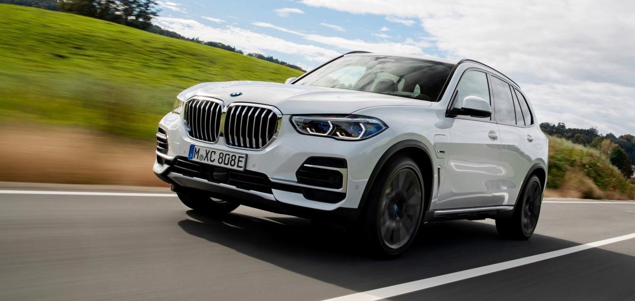 Гибридный BMW X5 получит экологичные шины Pirelli