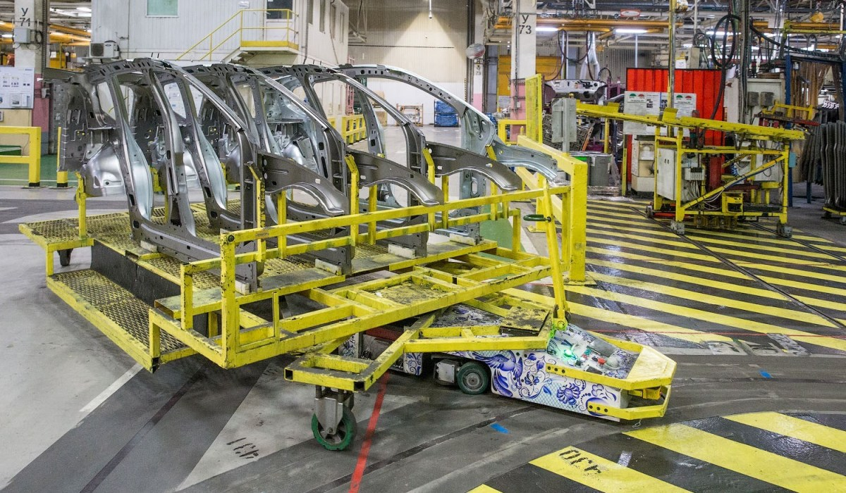 Рено РФ начала поставки беспилотных транспортных средств для индустриального производства
