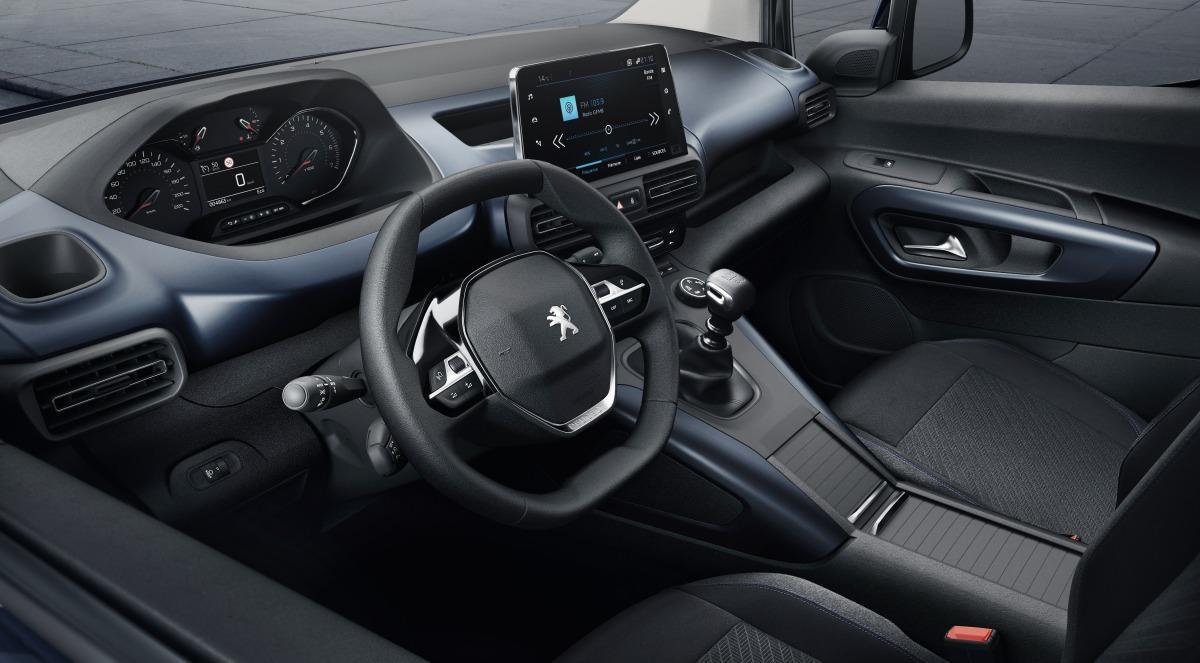 Компания Пежо сменила фургон Partner наRifter