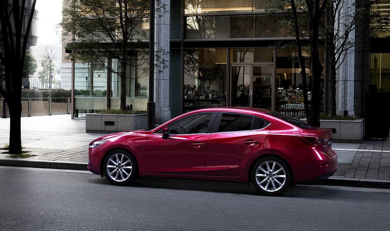 Мазда объявила русские комплектации новой модели Mazda3