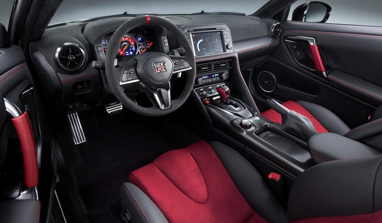 Ниссан рассекретил цену обновлённого суперкара GT-R NISMO