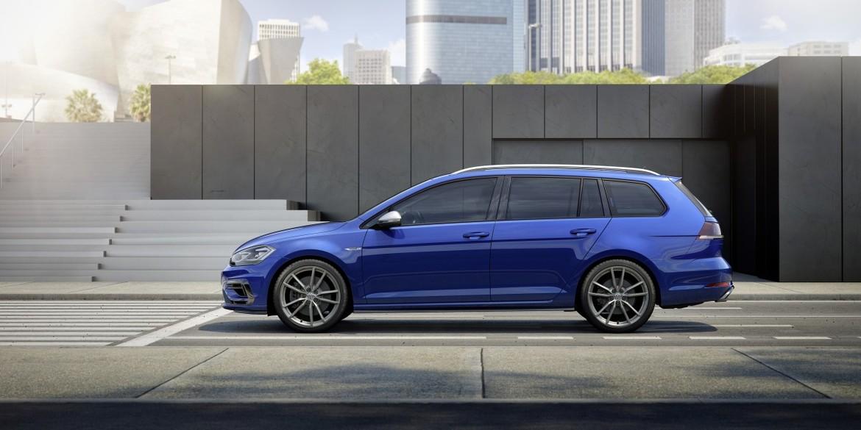 В реализацию поступили новые версии VW Golf