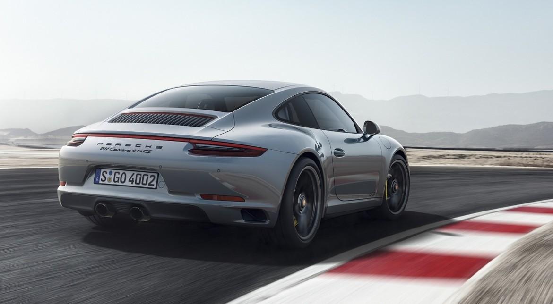 Улучшенный спорткар Porcshe GTS 911 был анонсирован вДетройте