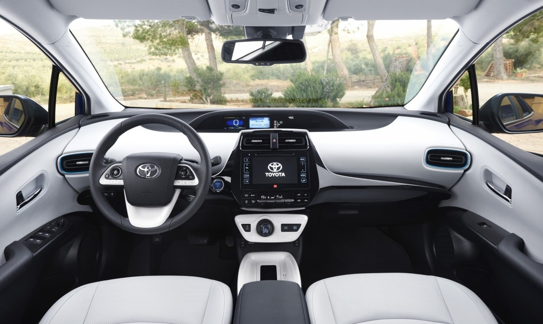 Новая Тоёта Prius вРФ: начало продаж, характеристики, цены