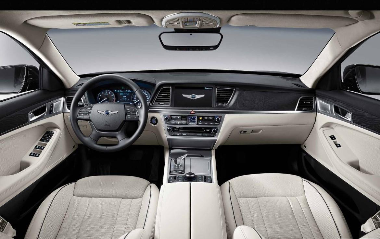 Полноприводный седан Genesis G80 от2 550 000 руб.